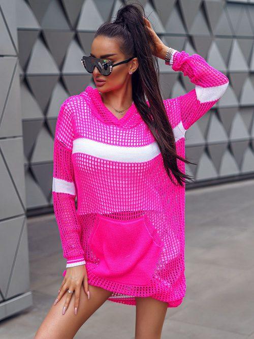 rozowy-neonowy-sweterek-damski-wkładany-przez-glowe-01