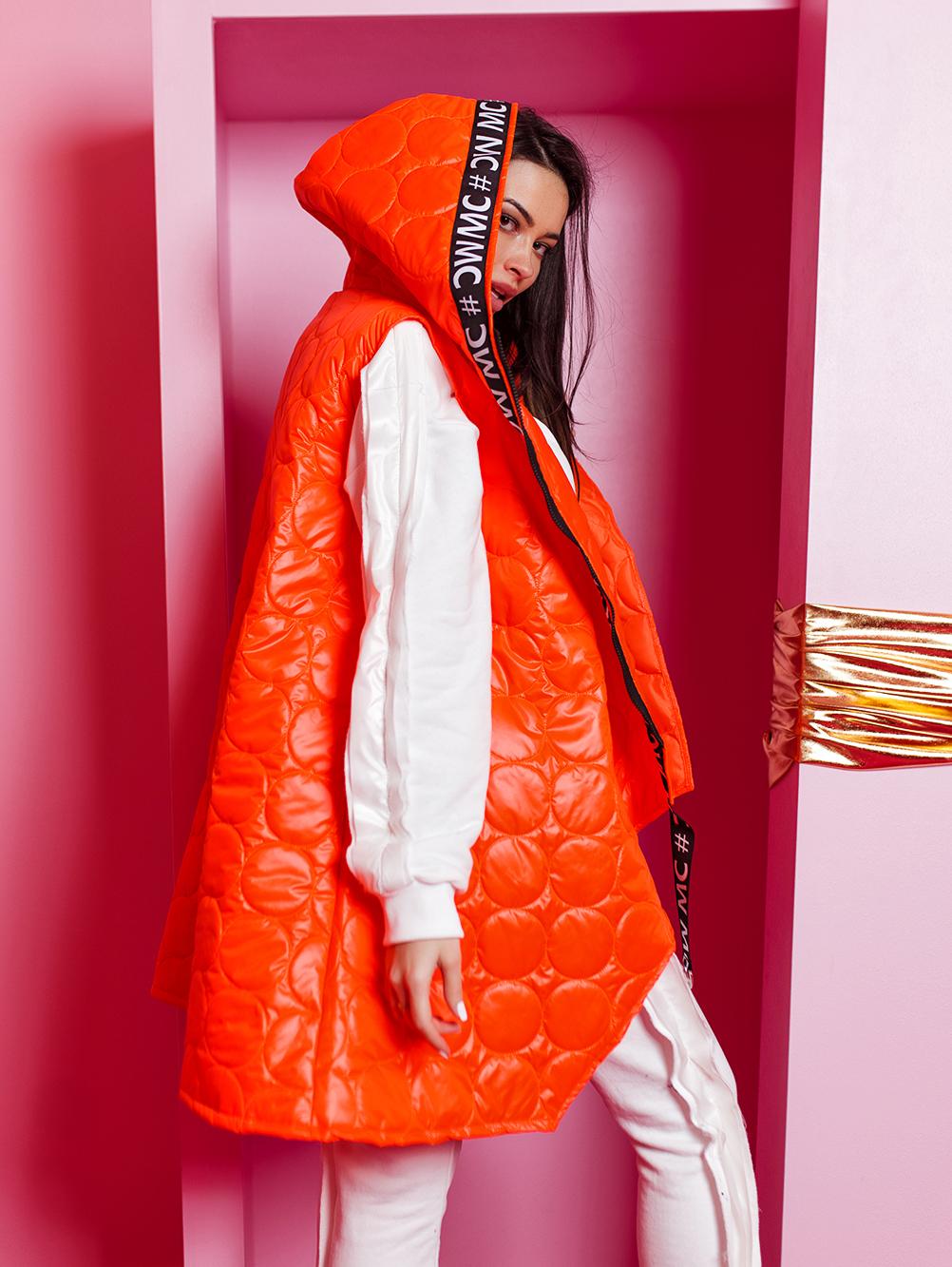 pomaranczowy-neonowy-bezrekawnik-damski-pikowany (1)