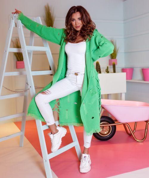 zielony-sweter-damski-dlugi-w-dziury-#2 (3)