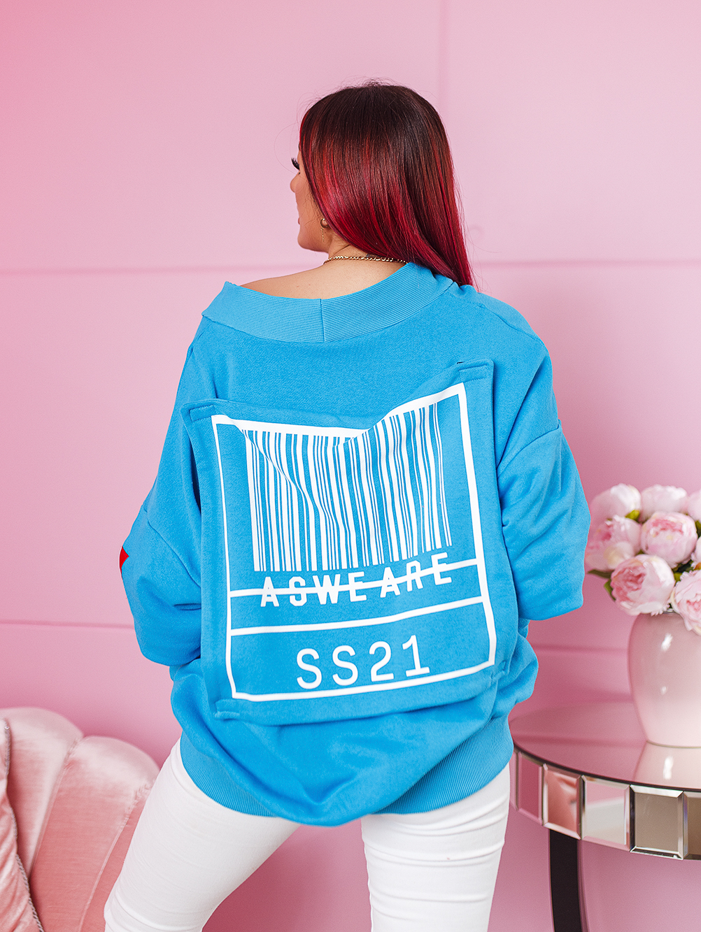 niebieska-bluza-damska-z-odpinana-aplikacja-z-kodem (1)