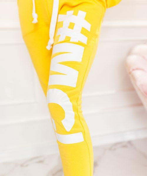zolte-spodnie-damskie-z-obnizonym-krokiem-#MC-#2 (2)