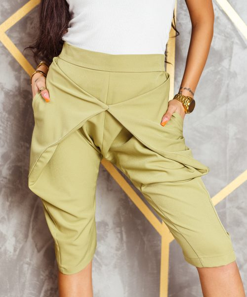 khaki-spodnie-damskie-kolarki-z-zapieciem-z-przodu-do-kolana (2)