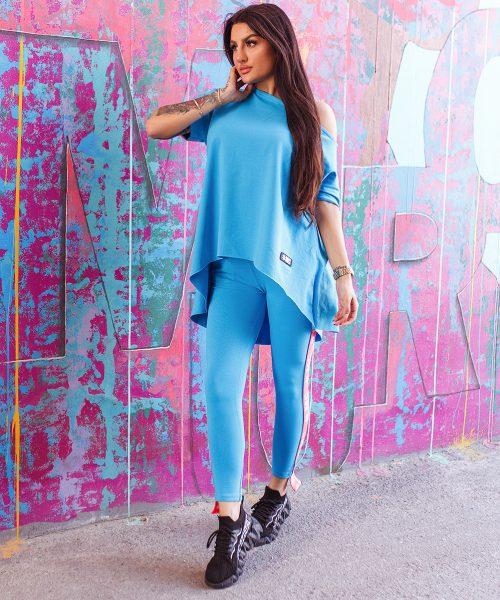 niebieski-dres-damski-z-tasmmi-mc-dlugie-spodnie-bluzka-oversize (2)