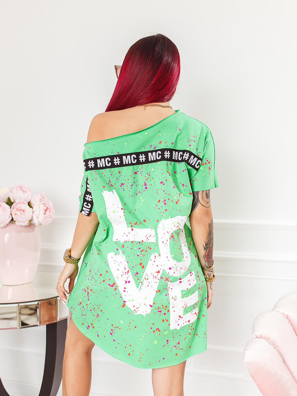 zielona-bluzka-damska-z-dekoltem-w-lodke-w-kolorwe-plamki-z-napisem-love (3)
