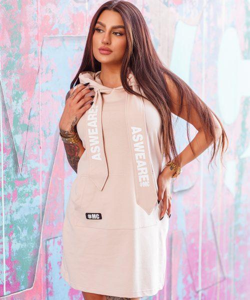 bezowa-sukienka-damska-z-kapturem-i-duza-kieszenia-z-przodu (2)