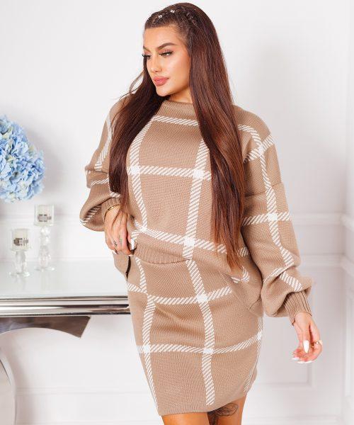 bezowo-bialy-komplet-sweterkowy-spodnica-i-bluza-w-krate (7)