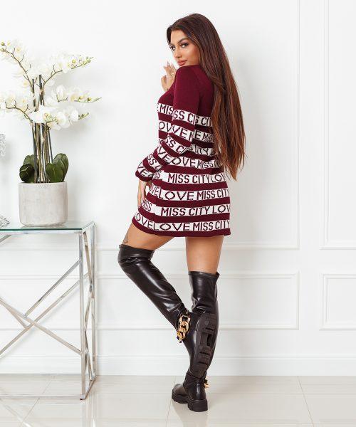 bordowy-sweter-damski-dlugi-z-paskami-i-napisami-love-miss-city