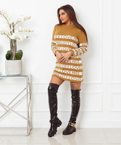 camelowy-sweter-damski-dlugi-z-paskami-i-napisami-love-miss-city (1)